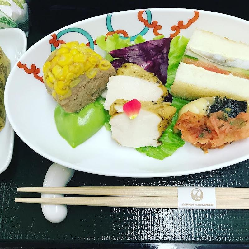 2017-06-24: JAL524(JL524) 北海道・新千歳=東京・羽田 国内線ファーストクラス搭乗時の機内食内容