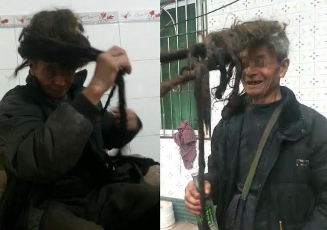Panjang 5,5 Meter Selama 54 Tahun Rambut Seorang Pria di China