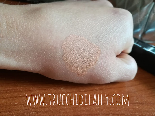Swatch Prep + Prime Highlighter Mac Bright Forecast