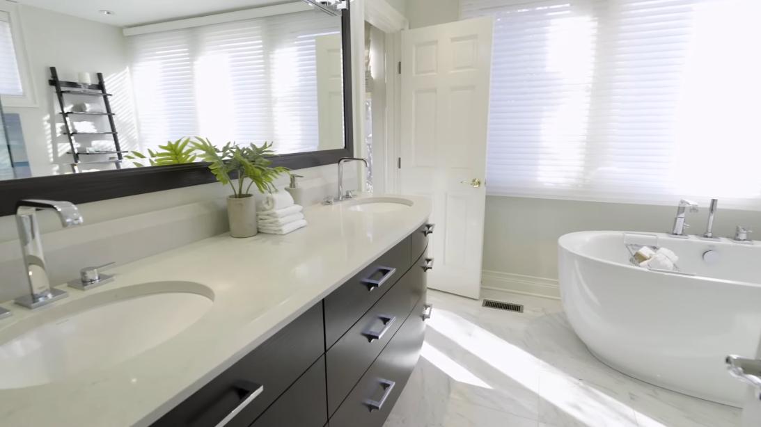 23 Interior Design Photos vs. 950 N Clark St #L, Chicago Luxury Townhome Tour