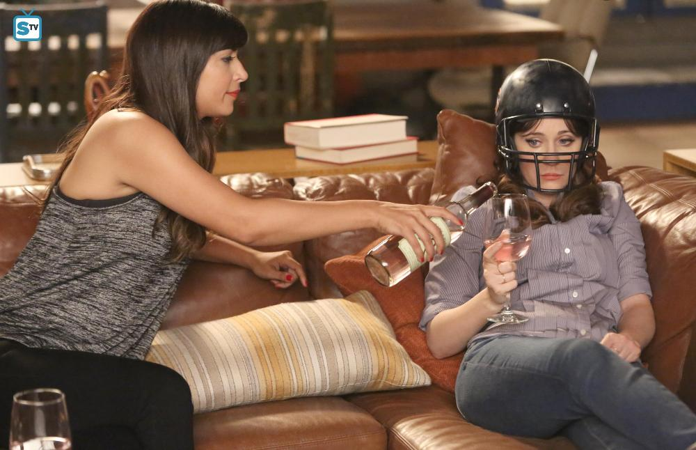 New Girl - Episode 5.15 / 5.16 - Jeff Day / Helmet - Promo & Promotional Photos *Updated*