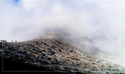 Kawah-ijen-landscape