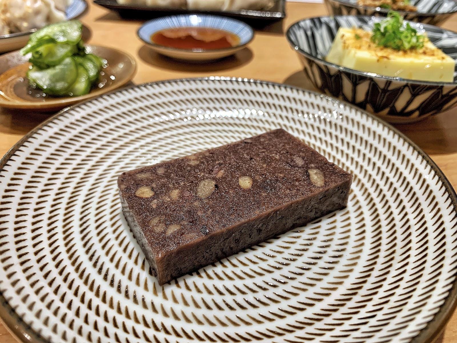 台南南區美食【胡攪蝦餃 金華店】蜂蜜紅豆羊羹