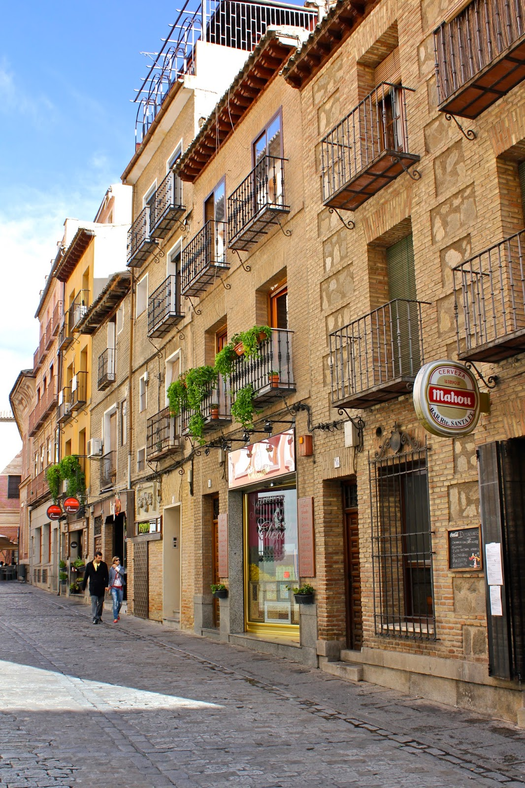 Toledo: 5 best day trips from Madrid - all less than 2 hours away from the city center! | adelanteblog.com