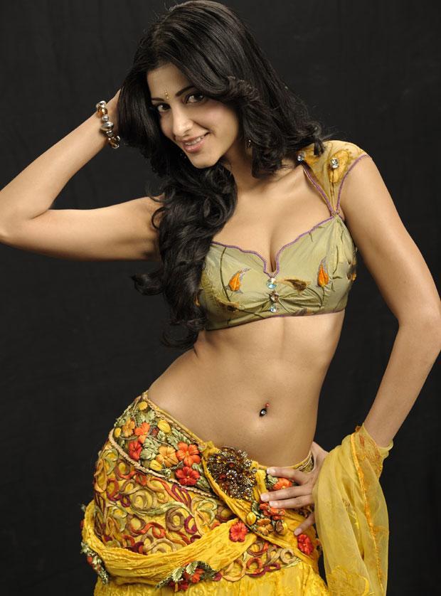 Shruti Hassans Hot Curvy Photos From The Movie Anaganaga