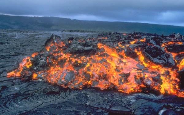 sumber awal kehidupan bumi, lava panas