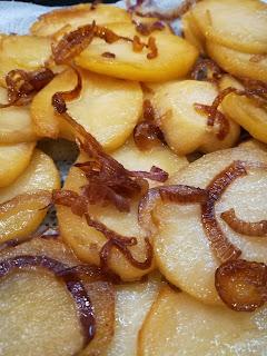 Tortilla de patatas zubereiten