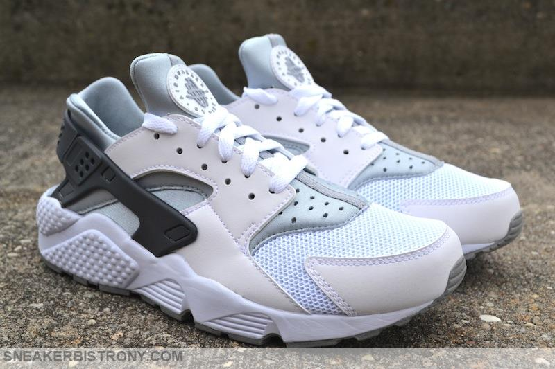 nike roshe wolf grey and white huaraches