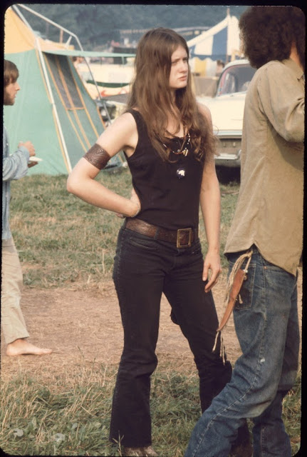 Girls of Woodstock: The Best Beauty and Style Moments From 1969 ~ vintage everyday