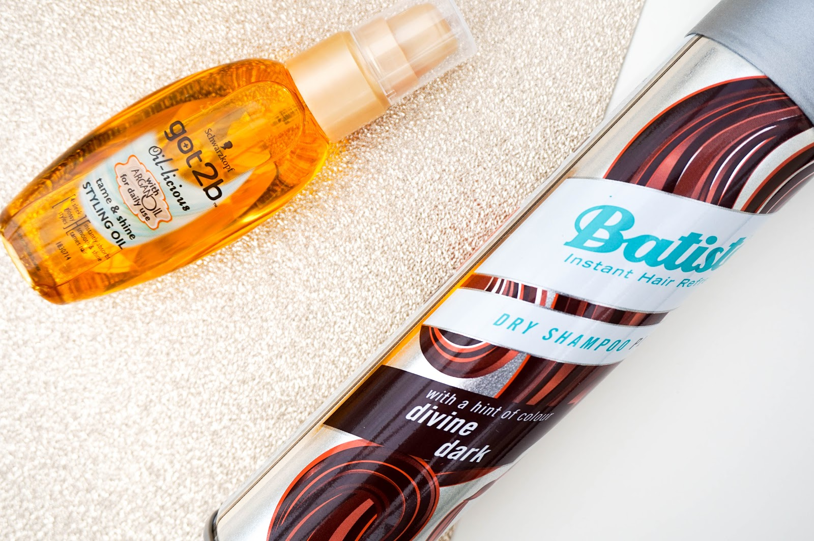 My Simple Hair Routine feat. Ogario London, Schwarzkopf, Batiste, Tangleteezer, GHD