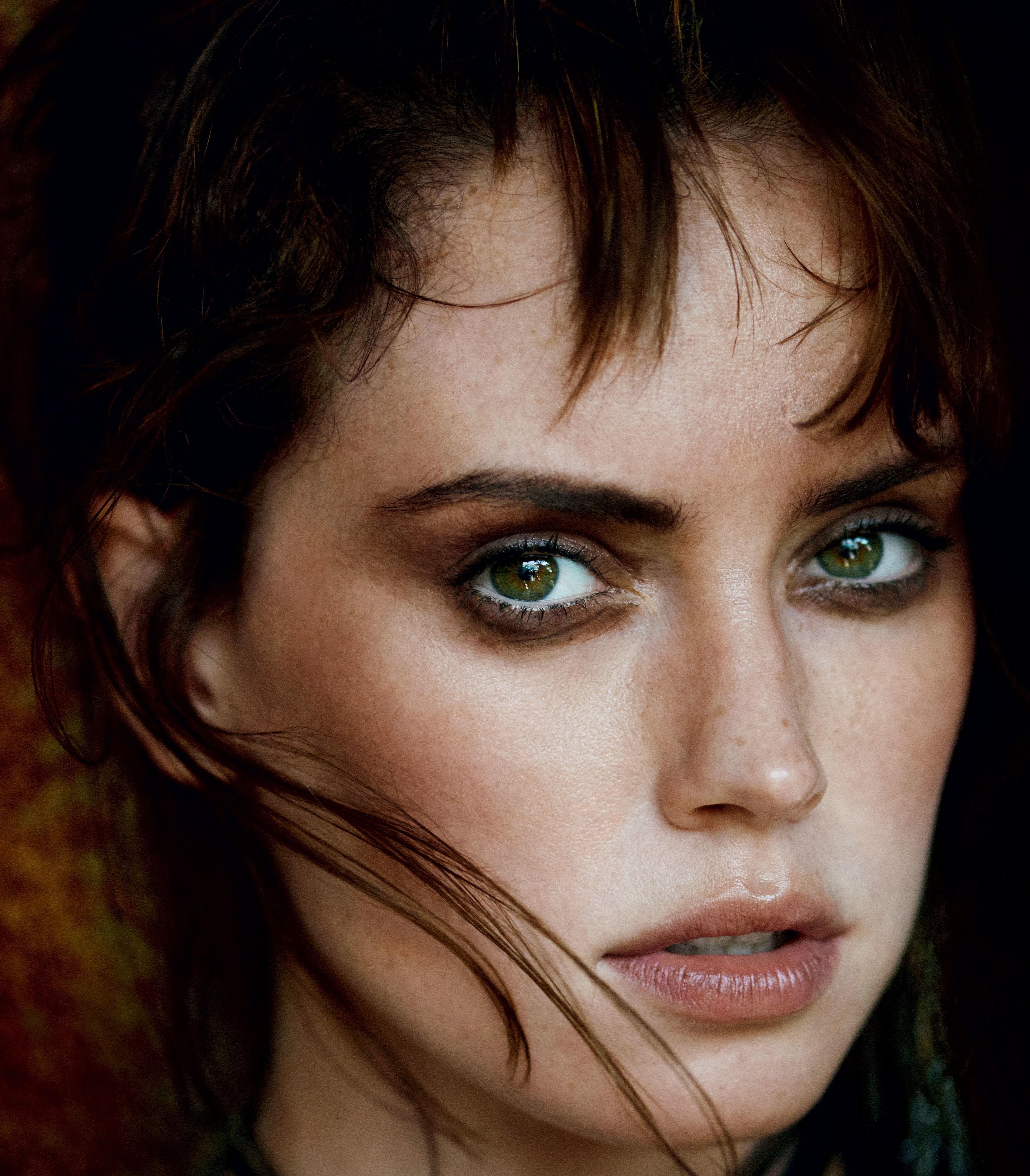 Daisy Ridley on Vogue :「スター・ウォーズ」と「オリエント急行殺人事件」の話題作2連発で注目の ...