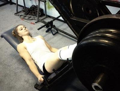 """<img src=""""julia_vins_russian_girl_powerlifter_2.png"""" alt=""""julia_vins_russian_girl_powerlifter_2"""">"""