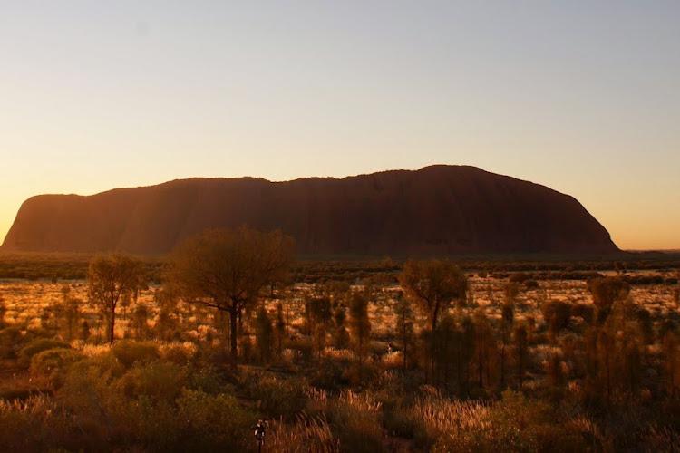 Zdobywając Uluru. Zadeptując kulturę