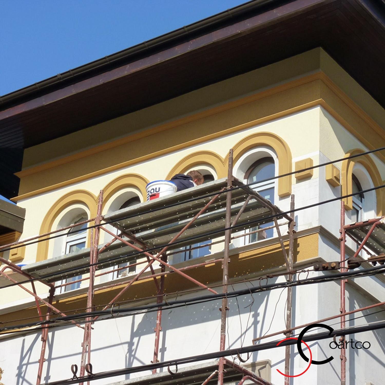 Profile din polistiren decorativ pentru fatade case cu ferestre in arcada
