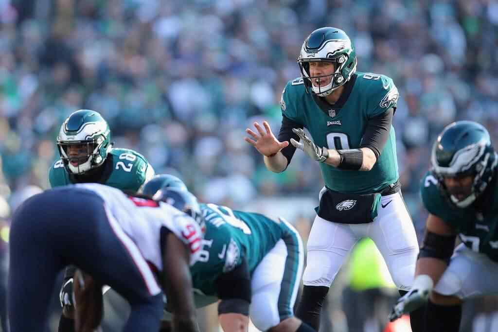 Nick Foles Keeps the Eagles' Playoff Hopes Alive