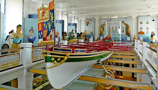 Escaler cerimonial do Século 18 exposto no Museu Naval de Portsmouth