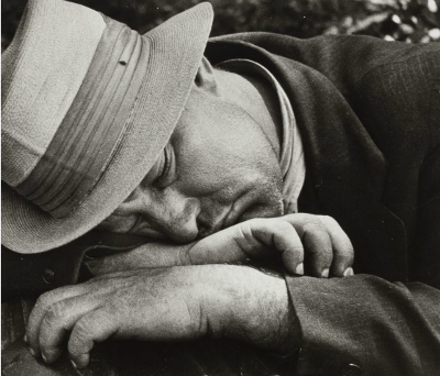https://kvetchlandia.tumblr.com/post/162776448728/nathan-lerner-sleeping-man-san-francisco