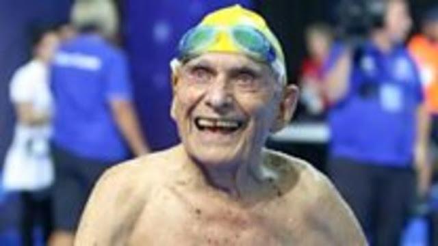 99χρονος έκανε Παγκόσμιο ρεκόρ στη κολύμβηση