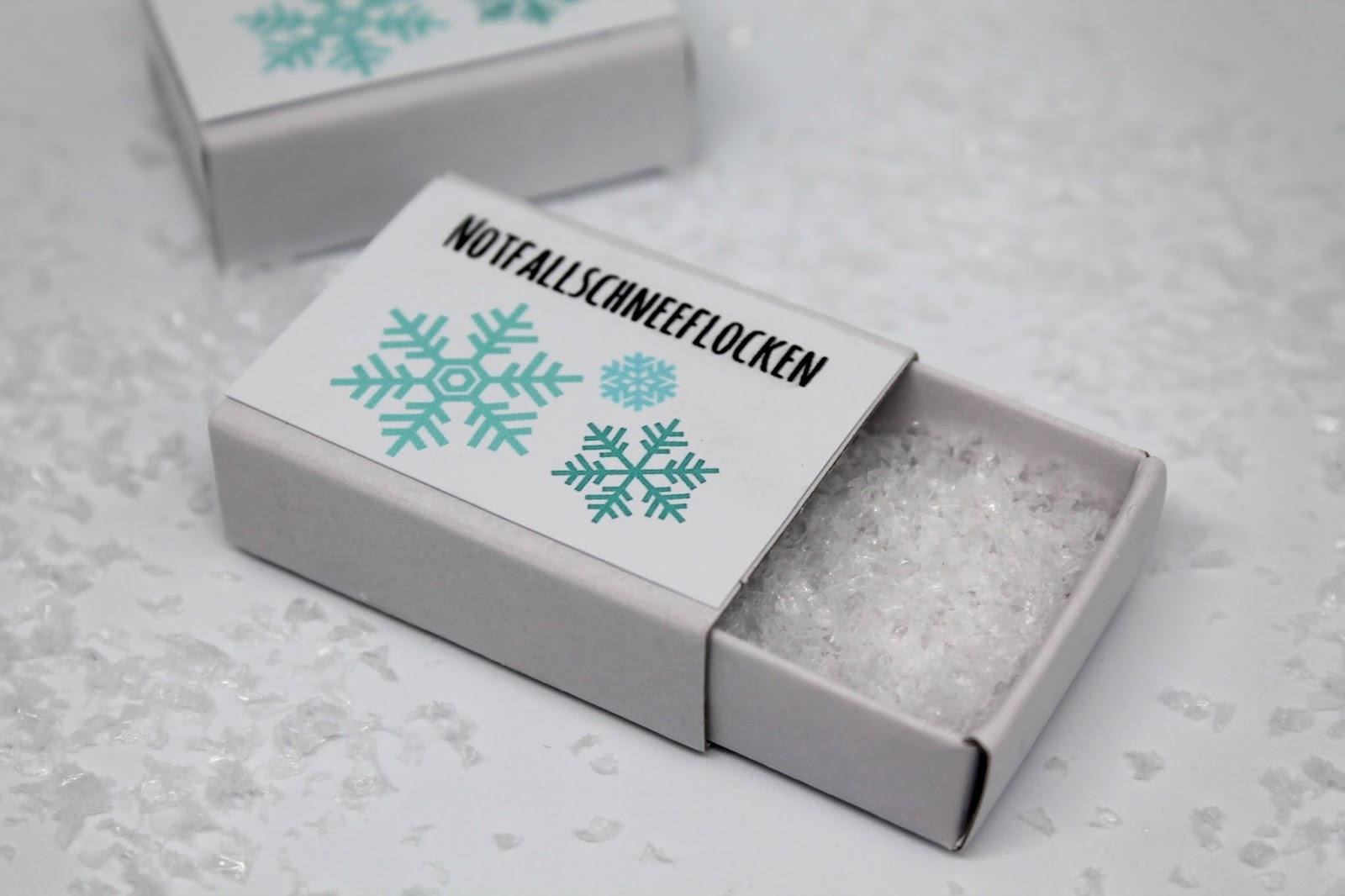 DIY, Basteln: Notfallschneeflocken in Weihnachtsgeschenke, Weihnachtsdekoration, Geschenkidee - DIYCarinchen