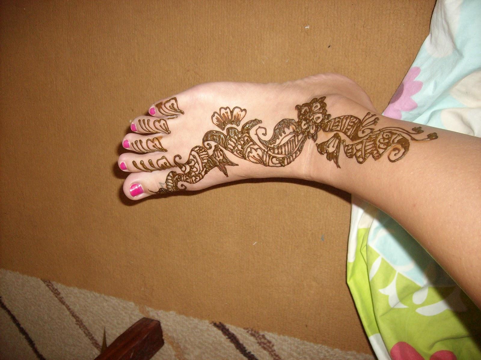 Henna Tattoo Beach: Germany And Africa 2012: Wednesday