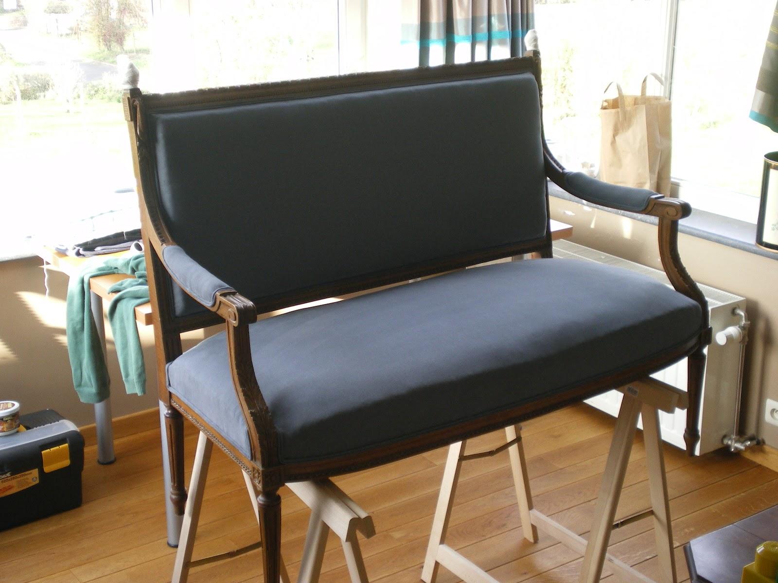garnissage l 39 ancienne canap. Black Bedroom Furniture Sets. Home Design Ideas