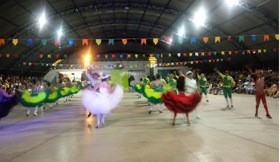 Confira imagens e vídeos da  2ª noite do  IV Festival de Quadrilhas em Delmiro Gouveia
