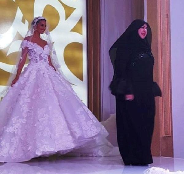منى المنصورى تطلق مجموعة موضة 2017 فى معرض عروس عجمان