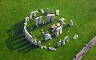 Stonehenge is best known examples of cromlech megalitic structures in the world