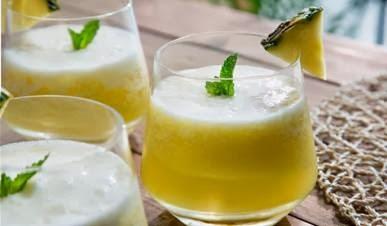 suco de abacaxi com hortela gaseificado