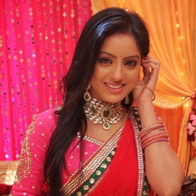 deepika singh, sandhya,  diya aur bati hum, star plus, tv show, tv serial, telly wood,, Deepika Singh Diya aur Bati Hum Serial Photos
