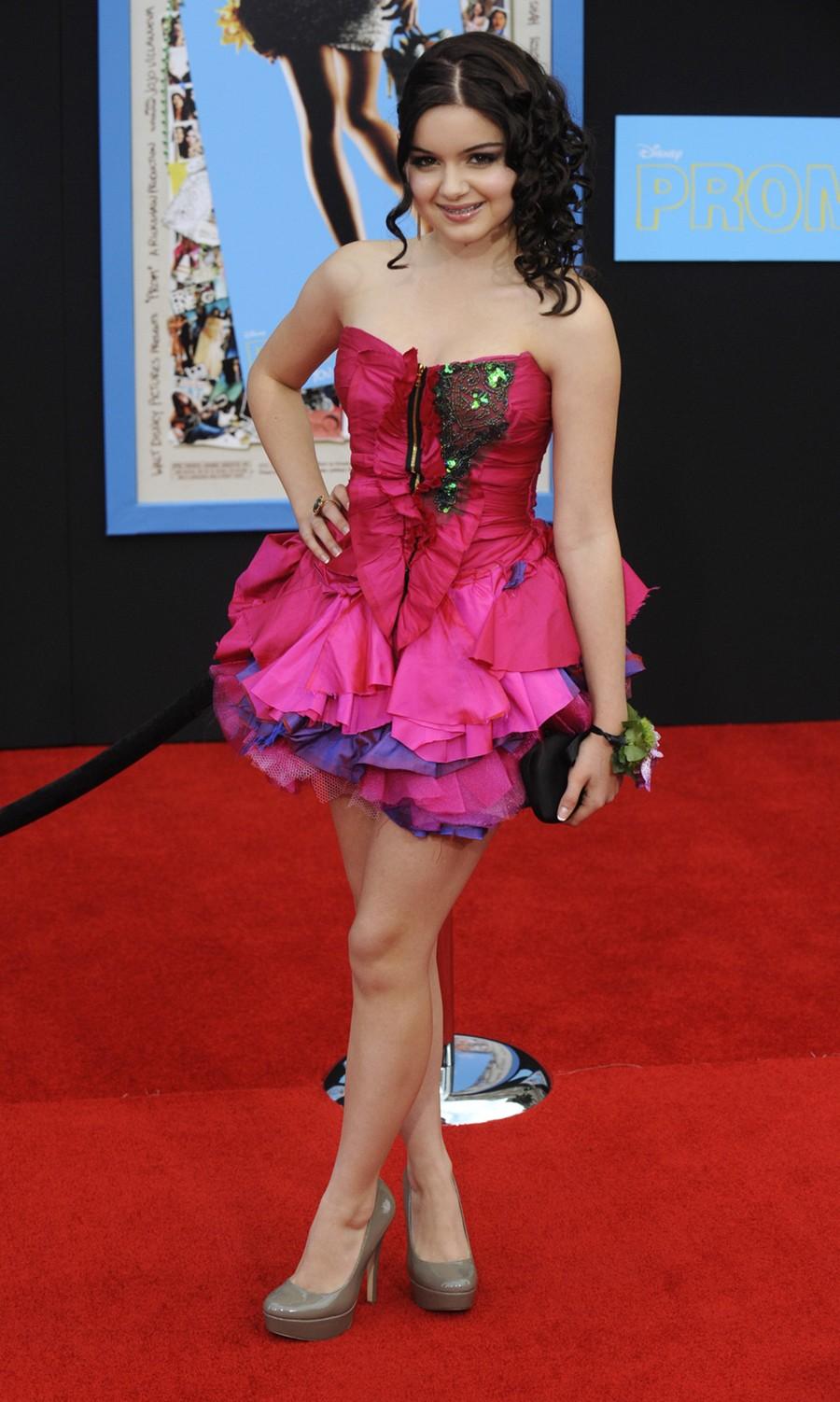 Skinny Vs Curvy  Very Pretty Teen Actress Ariel Winter-4652