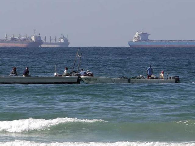 Di Tengah-tengah Sanksi AS, Iran Ancam akan Tutup Selat Hormuz