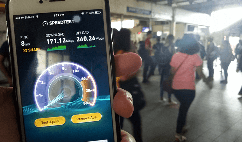 Smart WiFi at MRT stations