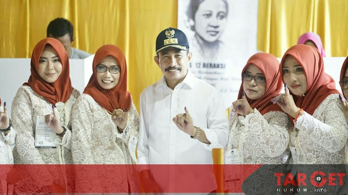 Pantau Pelaksanaan Pemilu, Bupati Haryanto Datangi Lima TPS Ini