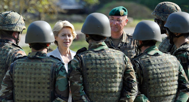 """Uschi"" (Ursula Von Der Leyen, German Defense Minister), with some German troops"