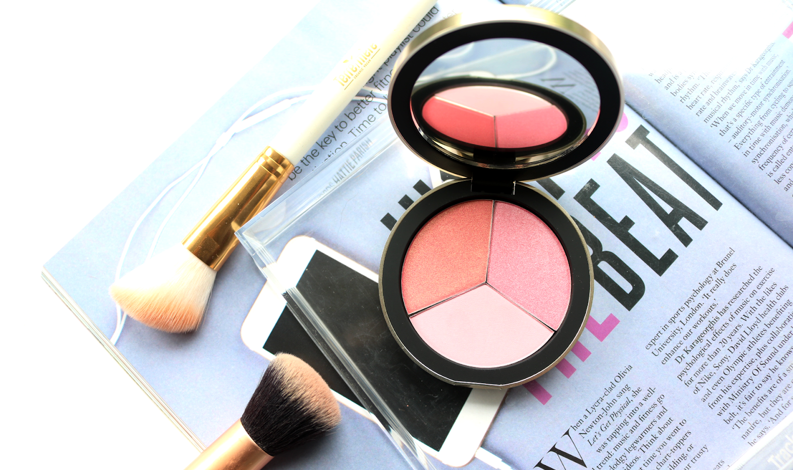 Code8 - Blush Mood-Reflecting Cheek Palette in Pink Beach - Review & Swatches