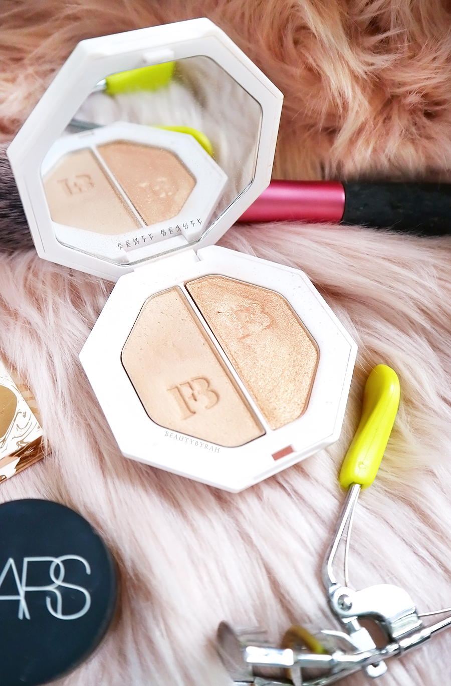 Fenty Beauty Hustla Baby/Mean Money Kilawatt Highlighter Review