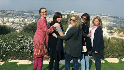 Cinco mujeres del condado de Bergen visitaron Israel a principios de este mes como parte de la misión de Corazón a Corazón de la Federación Judía de Norteamérica. La misión incluyó a 68 mujeres de 19 comunidades en todo el país.
