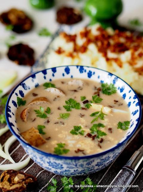zur grzybowy, zurek z grzybami, zalewajka grzybowa, zakwas na zur, grzyby, zupa grzybowa, wielkanoc, zupy polskie, obiad