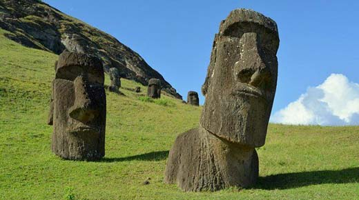 Los Moai de la Isla de Pascua tienen cuerpos enterrados debajo de la superficie