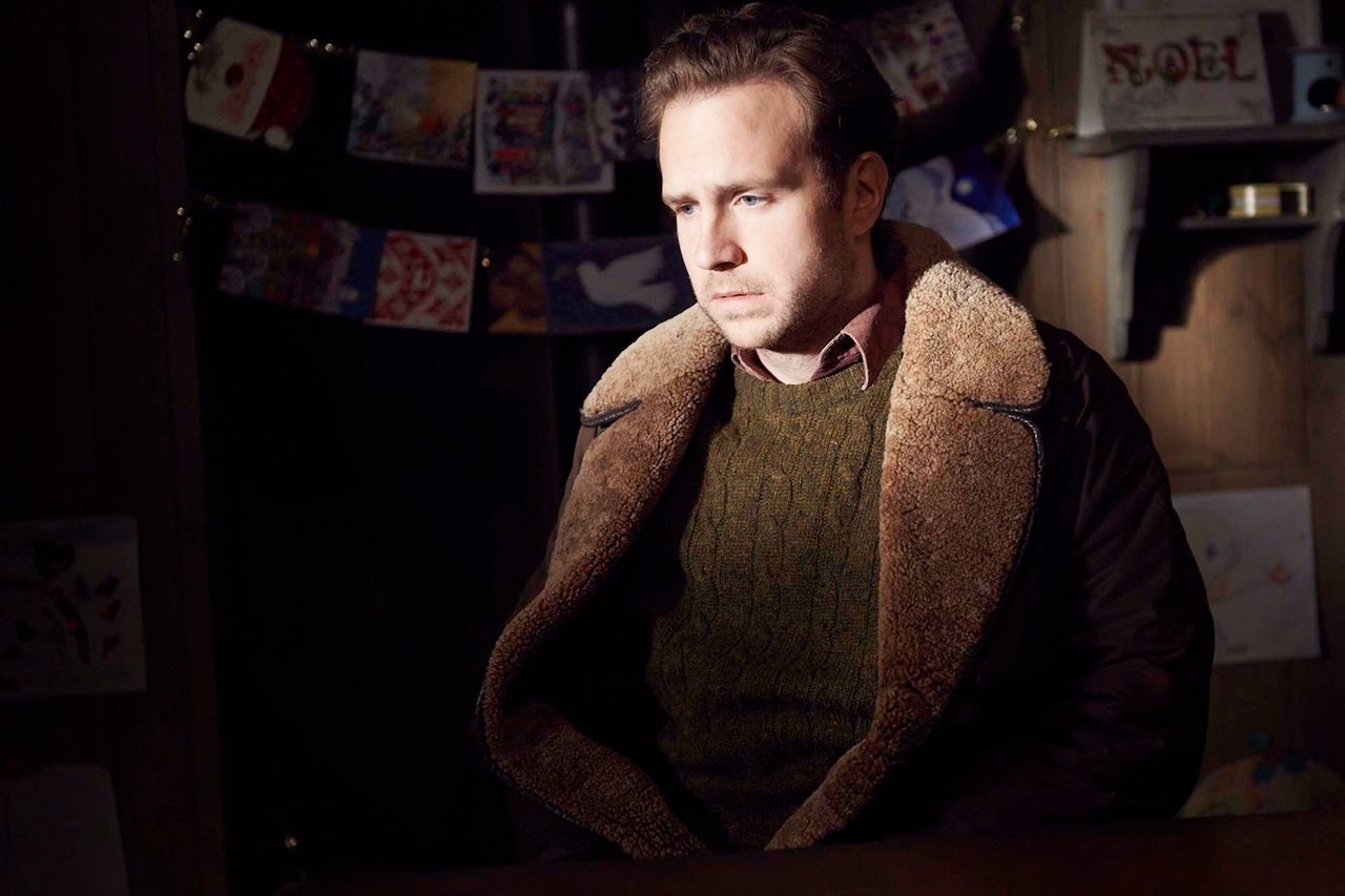 black mirror-white christmas-rafe spall
