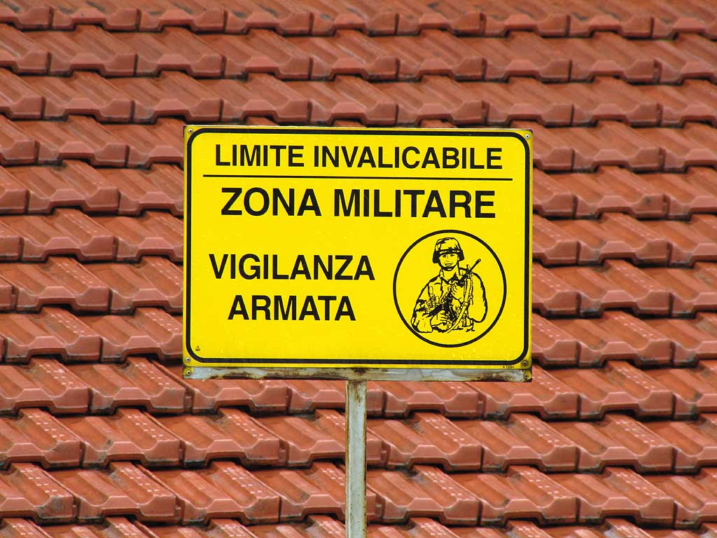 Military zone sign, Livorno