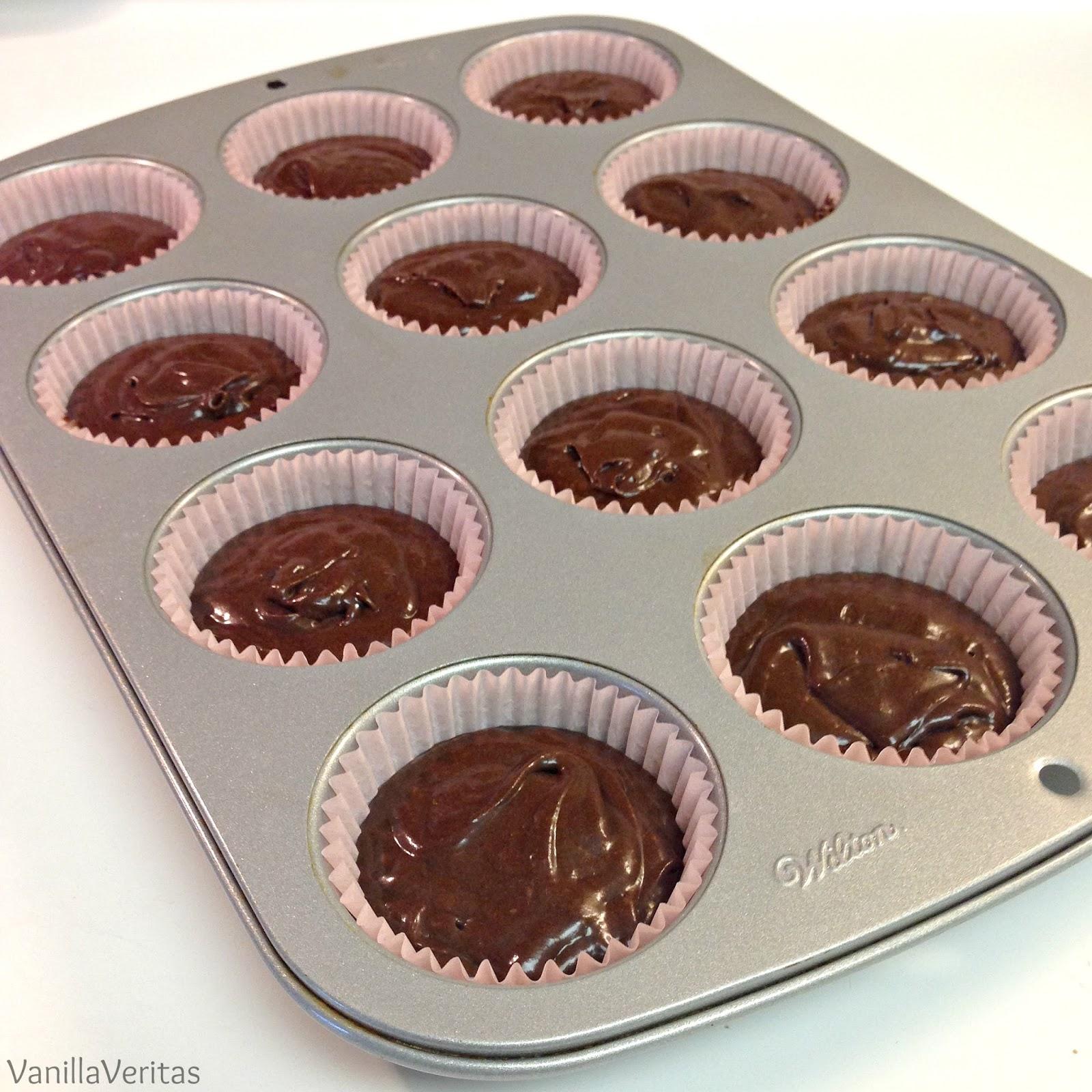 chocolate | cupcakes | triple chocolate cupcakes | double chocolate | dutch chocolate | chocolate cupcake | death by chocolate | chocolate filling | ganache | buttercream | icing | frosting | cake | dessert | dark chocolate