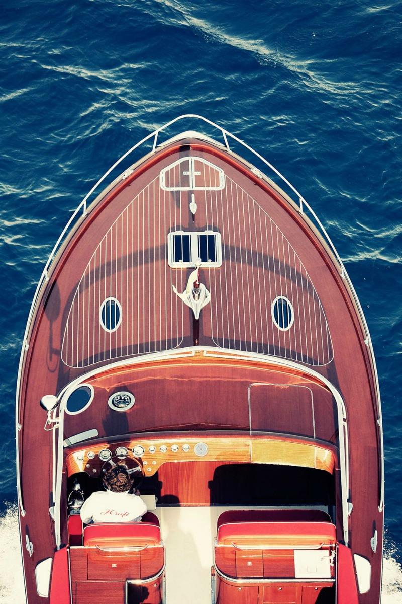 Cruising Lake Como in style