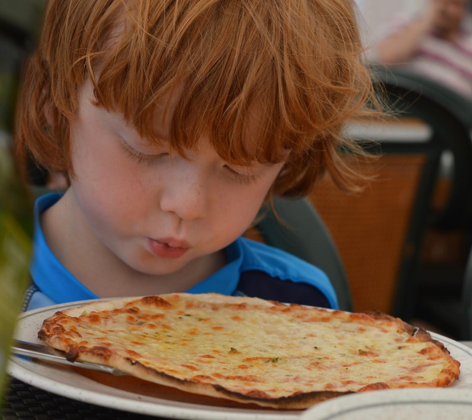 Camping La Siesta, Calella de Palafrugell, Costa Brava - a review - kids pizza