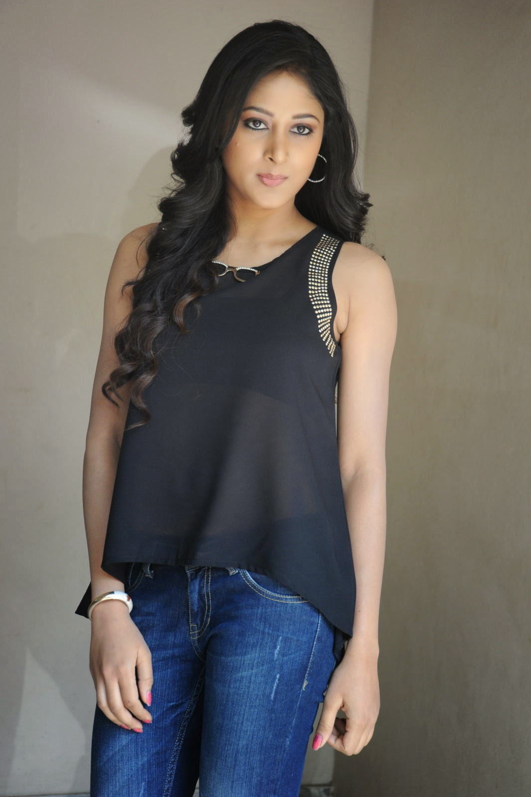 Actress Sushma Raj Hot Spicy Wet Black Top and Jeans