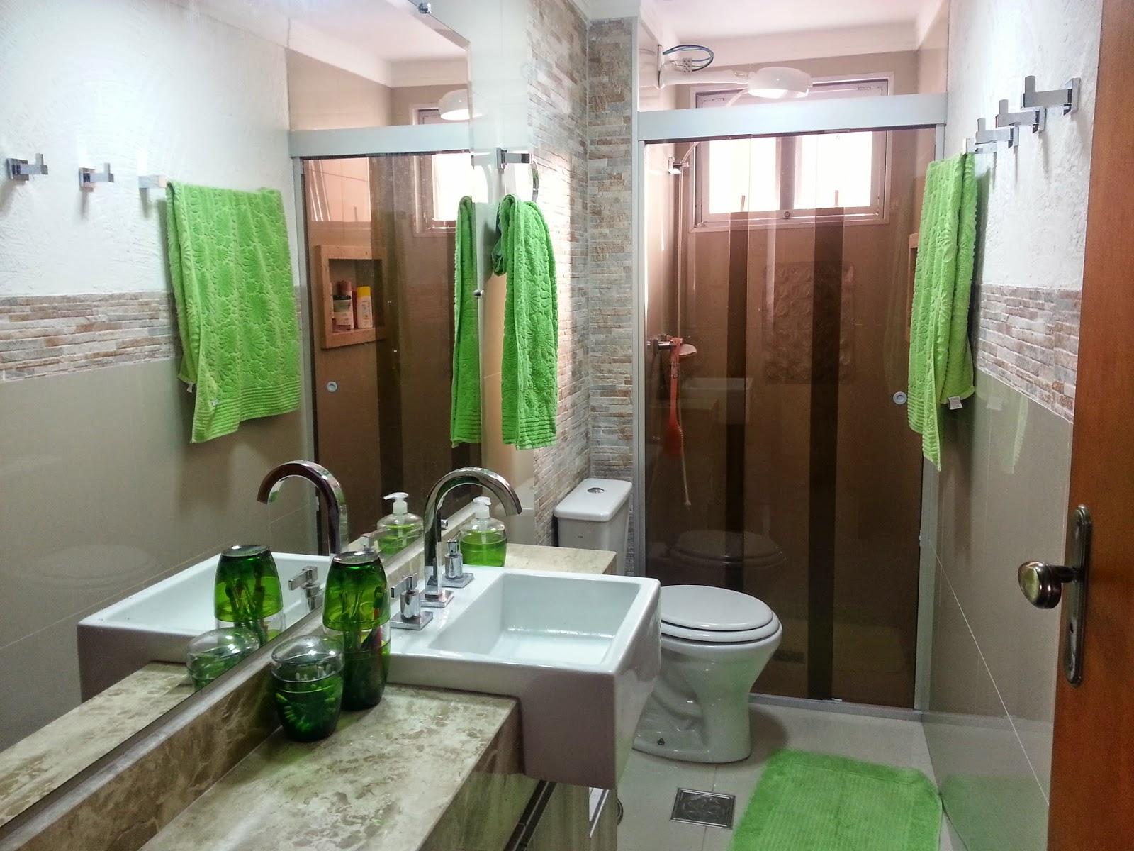 Antes e Depois banheiro =)  Meu novo Lar -> Banheiro Comprido E Estreito Com Banheira