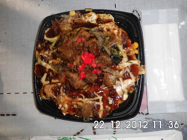 Okonomiyaki lezat di Jepang