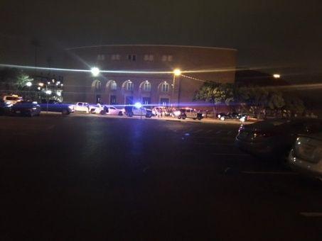 Estudiante mata a un policía en Universidad de Texas, EE.UU.