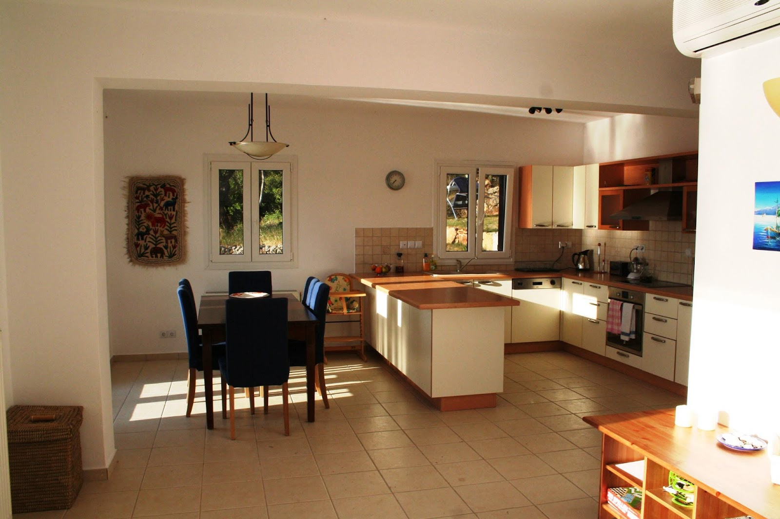 Apartment open kitchen design - Today We Will Show You New Modern And Luxury Designs This Article Helps You To Decorate Your Home Apartment Apartment Rooms A Garden